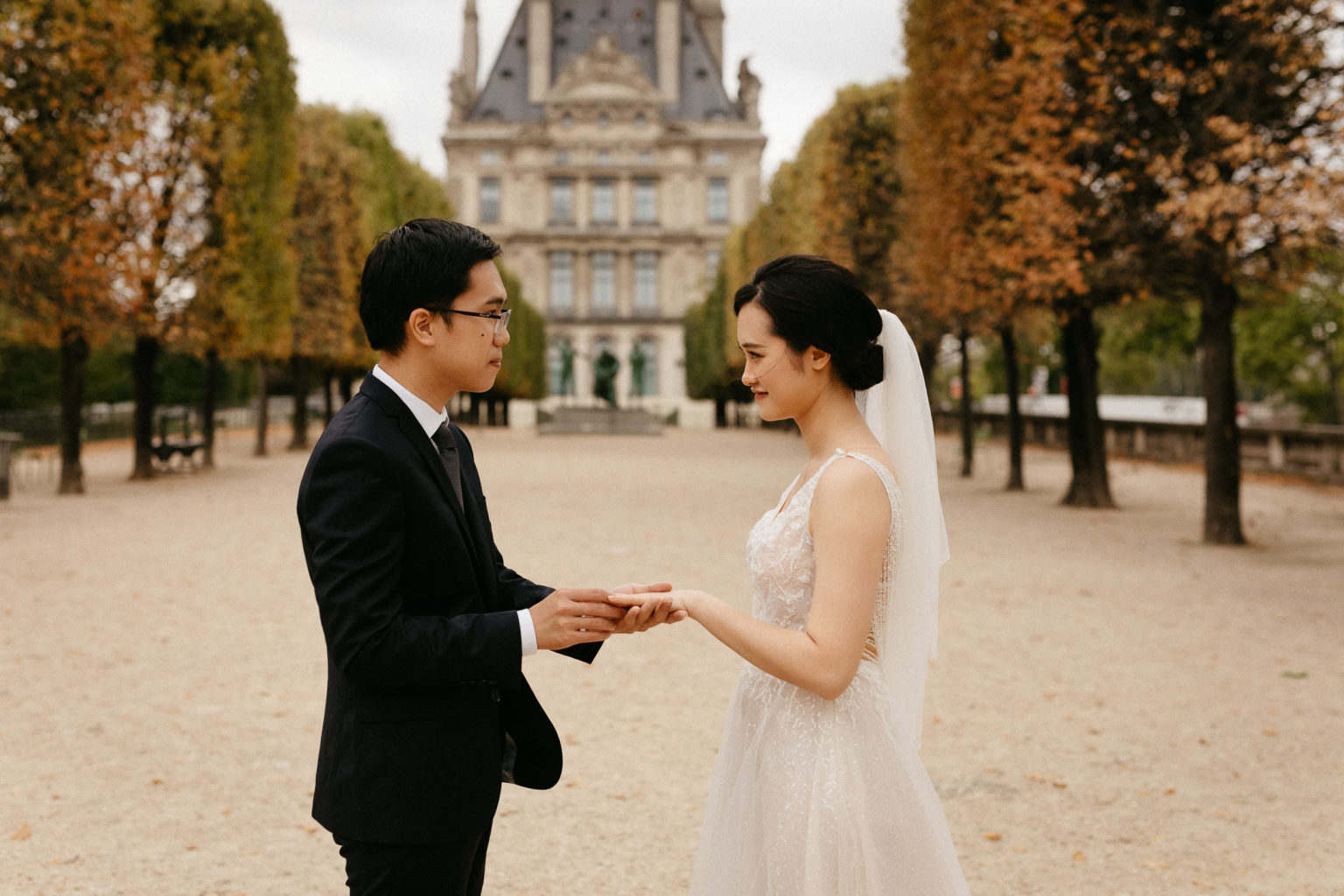 elopement wedding jardin des tuileries