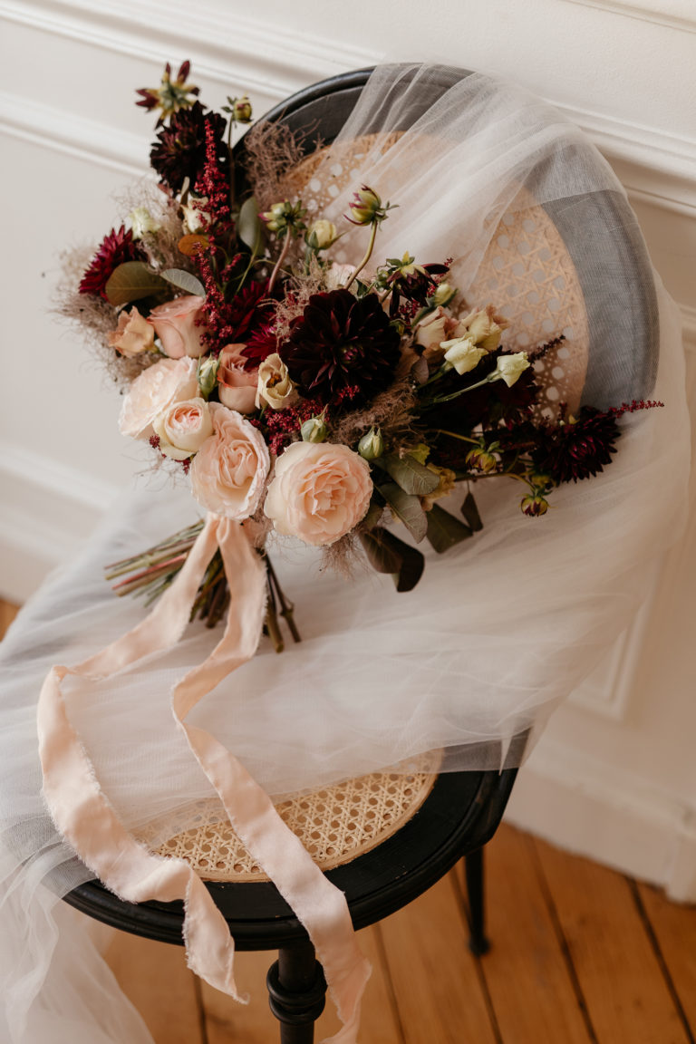 flowet bouquet paris wedding elopement