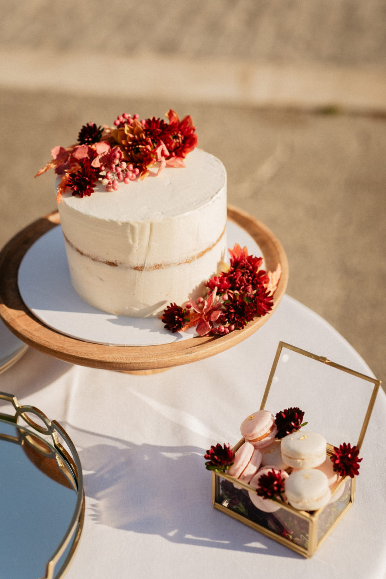 Wedding cake for paris elopement