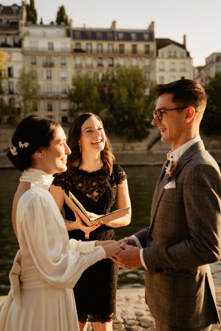English & French Speaking Officiant