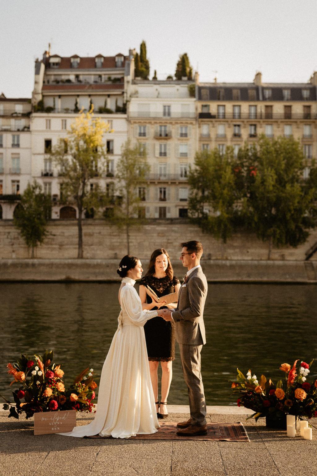 paris elopement planner ceremony