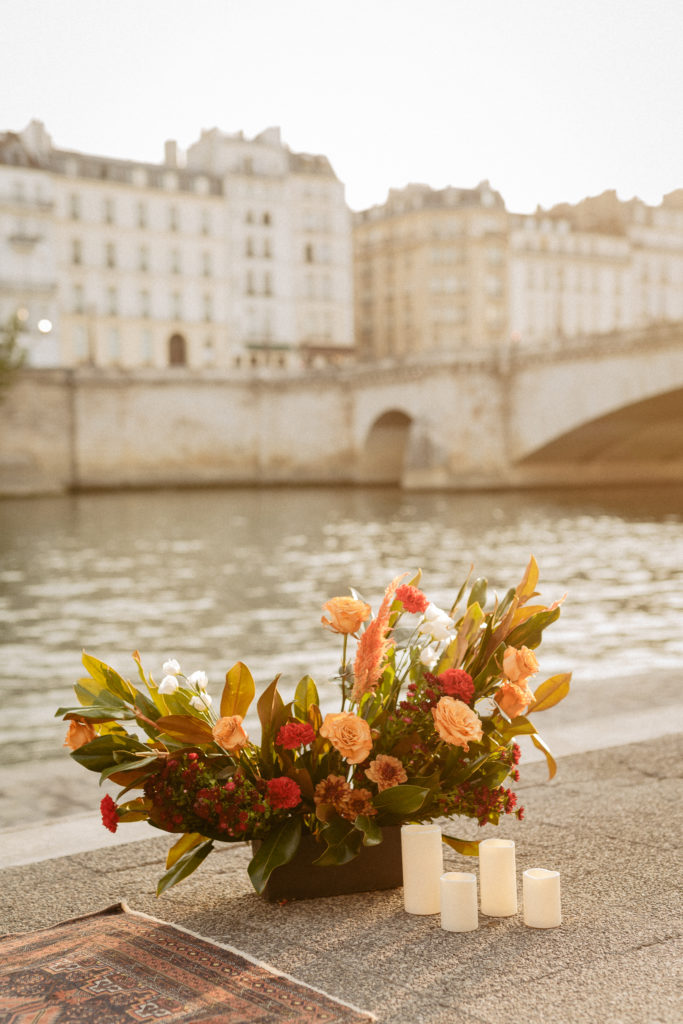 paris elopement wedding flower decoration seine river
