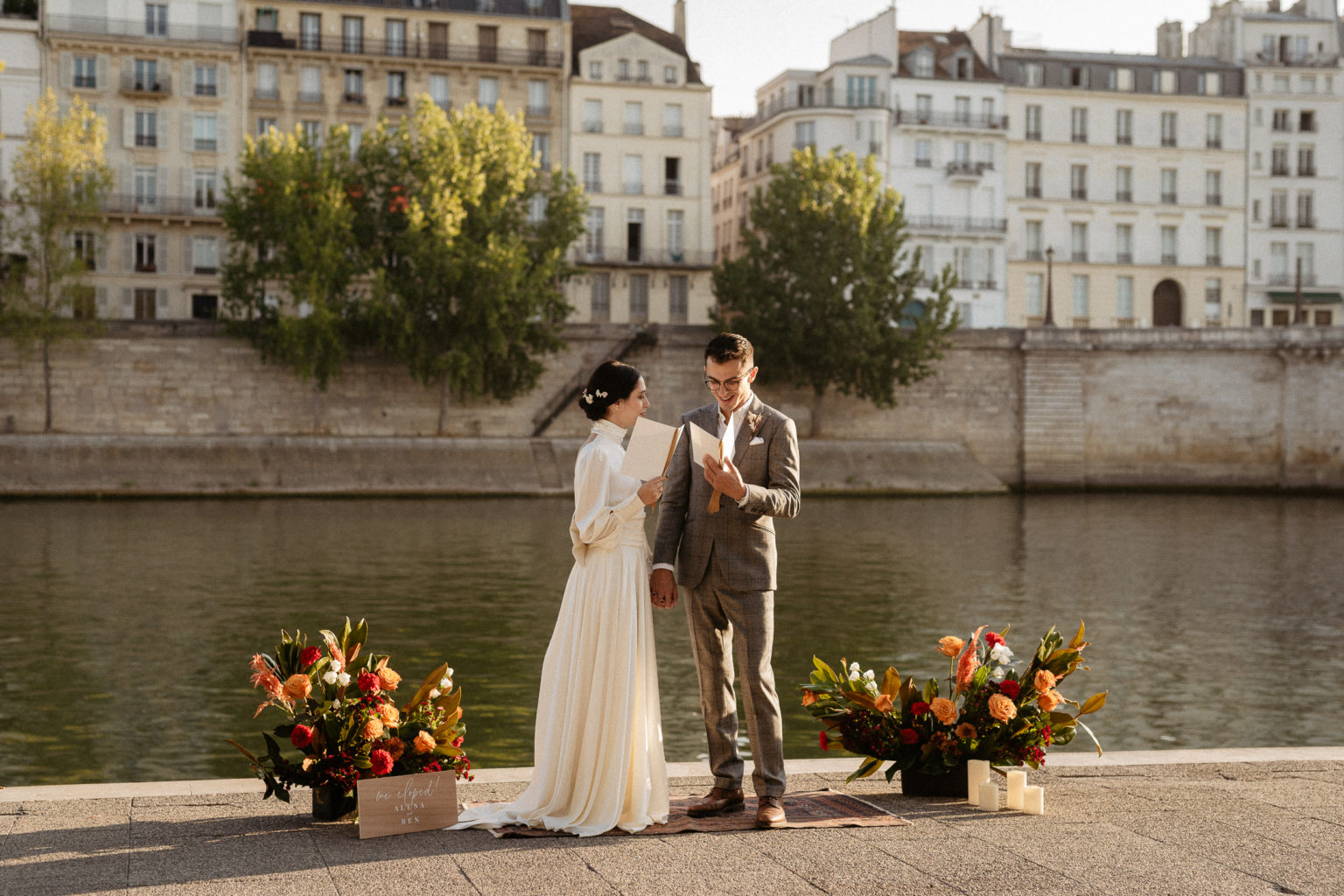 paris elopement wedding vows exchange