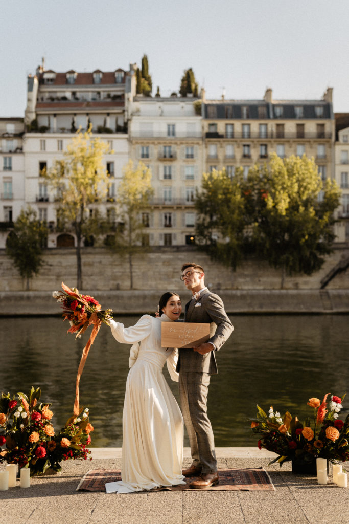 paris elopement wedding couple