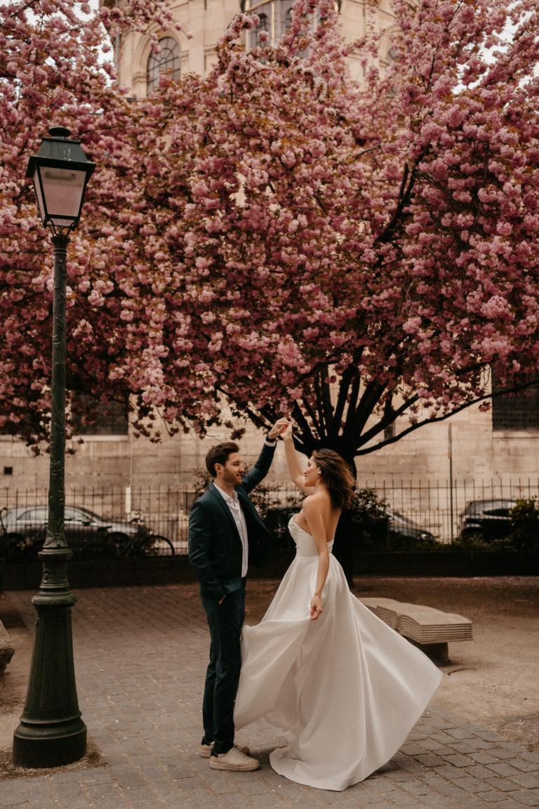 Cherry blossoms elopement wedding in Paris