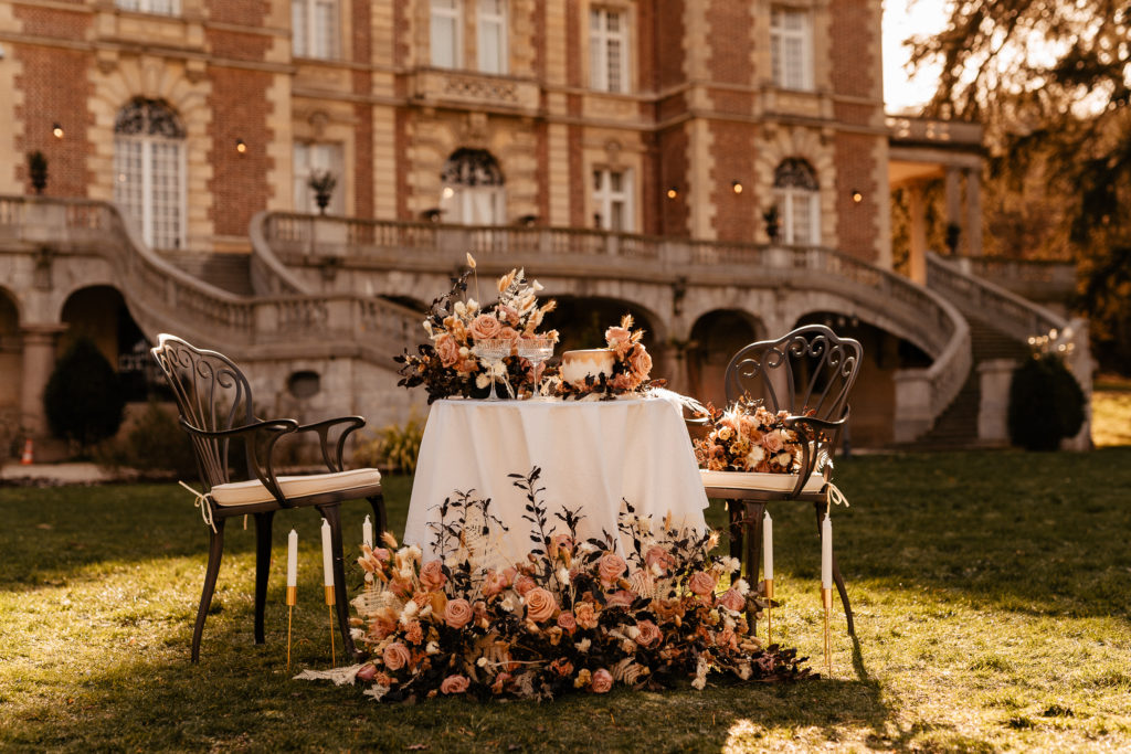 Chateau Bouffemont decoration intimate wedding at golden hour