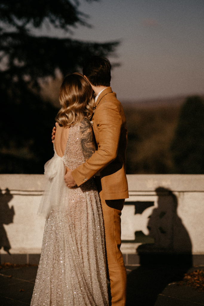 couple elopement wedding golden hour ideas